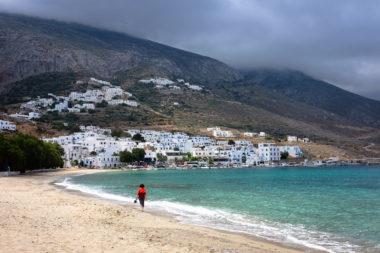Vue de la plage d'Aighiali - Amorgos - Cyclades