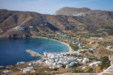 Aigiali vu à partir du village de Potamos - Amorgos - Cyclades