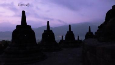 vue de Borobudur au levée du soleil, Java, Indonésie