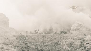 Le nuage de fumée, Kawah Ijen, Java, Indonésie