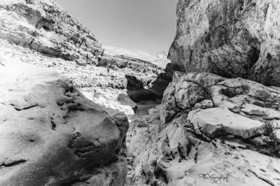 Wadi Bani Khalid - en noir et blanc