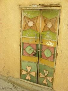 Porte omanaise colorée